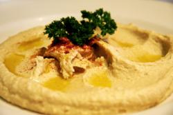 maykadeh, hummus